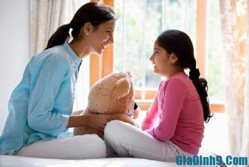 Cha mẹ nên tâm sự với con các vấn đề như giới tính, xã hội